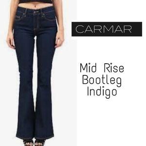 "CARMAR mid rise bootleg Jeans.  Sz 27 x 34"""